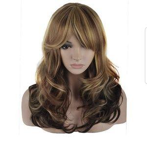 Nwt 2in Blonde Auburn synthetic fiber wig.